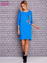 Niebieska sukienka z naszywkami                                  zdj.                                  2