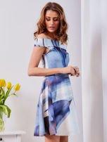 Niebieska wzorzysta sukienka                                  zdj.                                  6