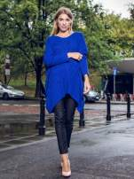 Niebieski dziergany długi sweter o kroju oversize                                  zdj.                                  9