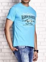 Niebieski t-shirt męski z napisami i kotwicą                                  zdj.                                  3