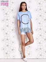 Niebieski t-shirt z nadrukiem i frędzlami                                                                          zdj.                                                                         2