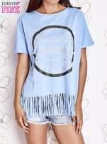 Niebieski t-shirt z nadrukiem i frędzlami                                  zdj.                                  1