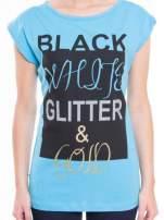 Niebieski t-shirt z nadrukiem tekstowym z efektem glitter                                  zdj.                                  4