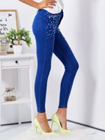 Niebieskie jeansowe rurki ozdobione perełkami                                  zdj.                                  5