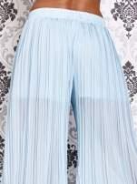 Niebieskie plisowane spodnie palazzo                                   zdj.                                  4