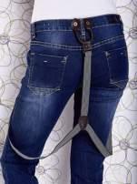 Niebieskie przecierane spodnie jeansowe z szelkami                                  zdj.                                  9