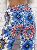 Niebieskie spodnie dzwony w etniczne wzory                                  zdj.                                  7