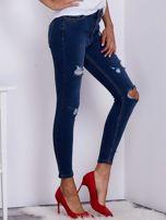 Niebieskie spodnie jeansowe skinny z przedarciami                                   zdj.                                  5