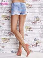 Niebieskie szorty jeansowe w azteckie wzory                                                                          zdj.                                                                         4