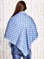 Niebieska wełniana chusta w kwadraty