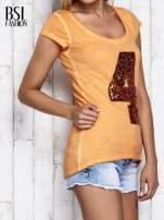 Pomarańczowy dekatyzowany t-shirt z cekinową cyfrą 4                                                                          zdj.                                                                         4