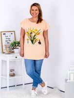 Pomarańczowy t-shirt z żonkilami PLUS SIZE                                  zdj.                                  4