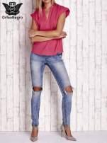 Różowa bluzka koszulowa z ażurowaniem wzdłuż dekoltu                                                                          zdj.                                                                         2