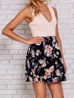 Różowa sukienka skater z kwiatowym dołem                                  zdj.                                  3