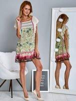 Różowa sukienka z rękawkami typu motylek                                  zdj.                                  2