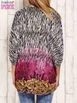Różowa wzorzysta koszula oversize z dekoltem z cyrkonii                                  zdj.                                  2