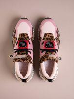 Różowe buty sportowe na podwyższeniu z kolorową podeszwą i motywem w panterkę                                  zdj.                                  2