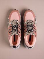 Różowe buty sportowe z wstawką w wężowy print                                  zdj.                                  2