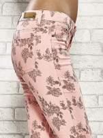 Różowe spodnie rurki w kwiaty Funk n Soul                                                                          zdj.                                                                         6