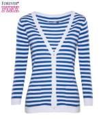 Rozpinany sweter w biało-niebieskie paski z kieszonkami po bokach