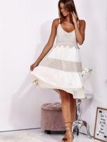 Beżowa sukienka na ramiączkach z koronką                                  zdj.                                  4