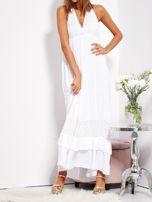 Biała sukienka maxi z koronką i wiązaniem na szyi                                  zdj.                                  8