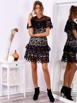 Czarno-beżowa koronkowa sukienka w gwiazdki                                  zdj.                                  1