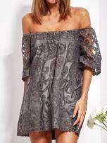 Grafitowa sukienka hiszpanka mini ze wzorem paisley                                  zdj.                                  3