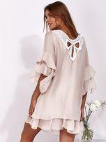 SCANDEZZA Jasnoróżowa zwiewna sukienka z hiszpańskimi rękawami                                  zdj.                                  2