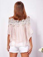 SCANDEZZA Różowa warstwowa bluzka hiszpanka z koronką                                  zdj.                                  2