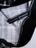 STRADIVARIUS Czarno-biała mini spódnica skater w kratę                                  zdj.                                  3