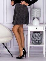 Srebrna rozkloszowana spódnica przeplatana metalizowaną nicią                                  zdj.                                  2