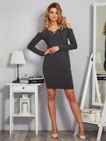 Sukienka cold shoulder w wypukłe paski grafitowa                                  zdj.                                  4