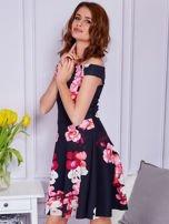 Sukienka czarna w duże kolorowe kwiaty                                  zdj.                                  4