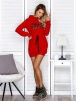 Sukienka damska dresowa z napisem COCO czerwona                                  zdj.                                  4