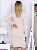Sukienka damska w prążek ze sznurowaniem przy dekolcie beżowa                                  zdj.                                  2