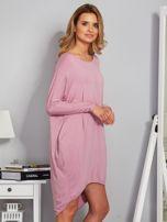 Sukienka oversize z dłuższym tyłem liliowa                                  zdj.                                  5