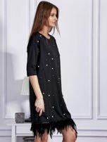Sukienka z perełkami i piórami na dole czarna                                  zdj.                                  2