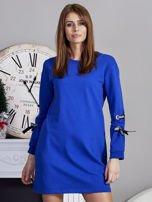Sukienka z tasiemkami przy mankietach kobaltowa                                  zdj.                                  1