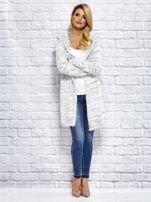 Sweter z melanżowym wzorem biało-ciemnoszary                                  zdj.                                  4