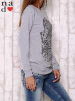 Szara bluza z motywem dłoni                                  zdj.                                  3