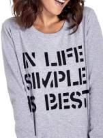 Szara klasyczna bluza damska z napisem IN LIFE SIMPLE IS BEST                                  zdj.                                  5