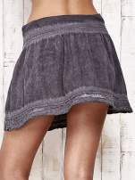 Szara spódnica z efektem dekatyzowania