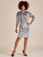 Szara welurowa sukienka w abstrakcyjne wzory                                  zdj.                                  3