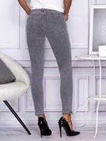 Szare spodnie z suwakami na nogawkach                                  zdj.                                  2