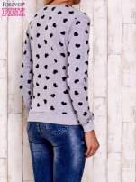 Szaro-czarna bluza z nadrukiem serduszek                                  zdj.                                  5