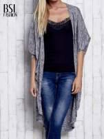 Szary melanżowy sweter z rękawem nietoperz