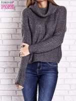 Szary sweter oversize z luźnym golfem                                  zdj.                                  2