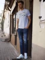 Szary t-shirt męski z nadrukiem napisów w sportowym stylu                                  zdj.                                  6