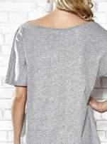Szary t-shirt z nadrukiem rewolweru Funk n Soul                                  zdj.                                  6